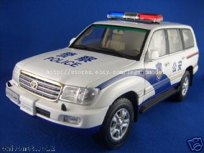 Модель 1:18 Toyota Land Cruiser Police Car