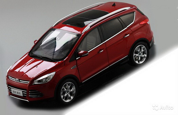 Модель 1:18 Ford Kuga SUV - red