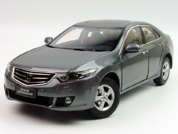 Модель 1:18 Honda Accord/Spirior - grey