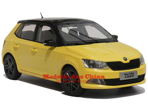 Модель 1:18 Skoda New Fabia 2015 - Yellow