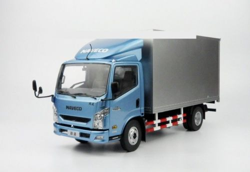 Модель 1:18 IVECO NAVECO light truck