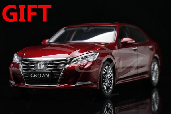 Модель 1:18 Toyota Crown 2015 - Dark red