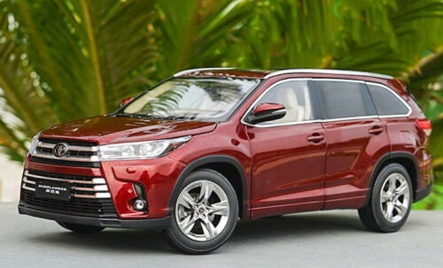 Модель 1:18 Toyota Highlander 2018 - red