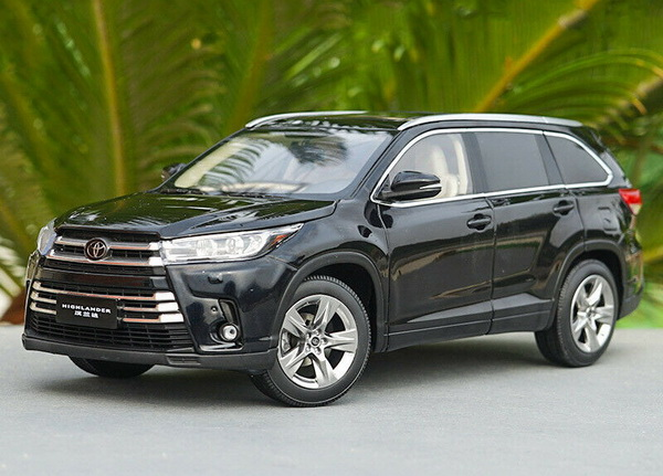 Модель 1:18 Toyota Highlander 2018 - black