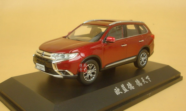 Модель 1:43 Mitsubishi New Outlander (рестайлинг) - red