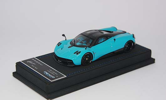 Модель 1:43 Pagani Huayra Track Pack - light blue/black carbon
