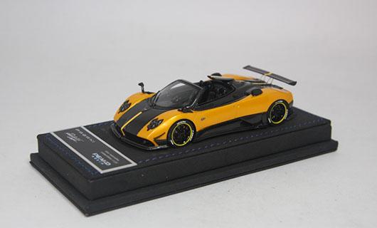 Модель 1:43 Pagani Zonda 5 Cinque Roadster - yellow/black carbon