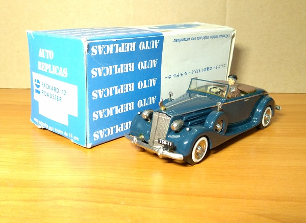 Модель 1:43 Packard V12 Roadster (с фигуркой)