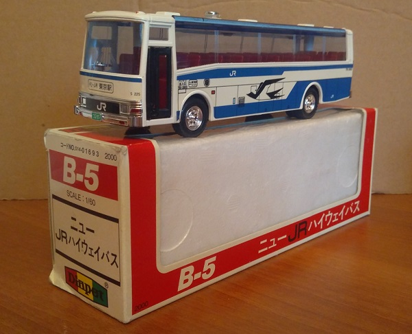 Модель 1:60 BUS NEW JR HIGHWAY