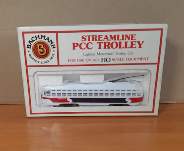 Модель 1:87 Streamline PCC Trolley