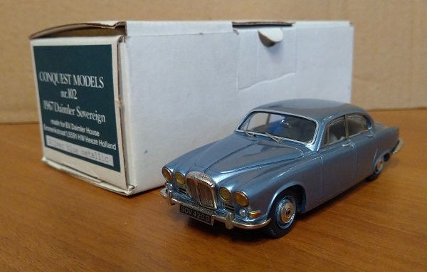 Модель 1:43 Daimler Sovereign - Blue metallic