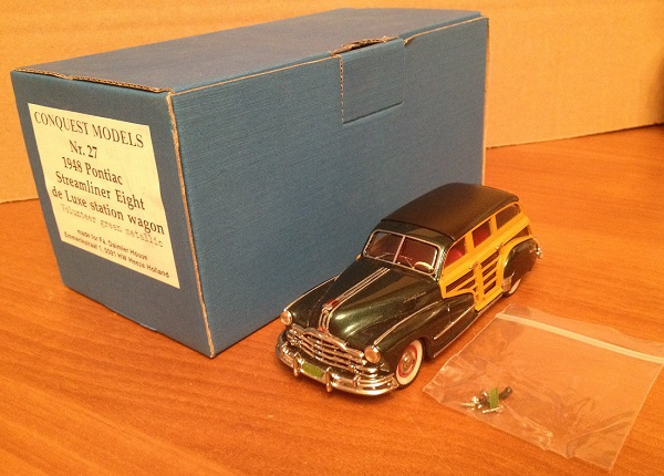 Модель 1:43 Pontiac Streamliner EIGHT De Luxe Station Wagon - green