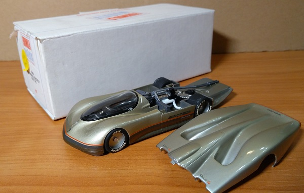 Модель 1:43 Oldsmobile Aerotech Long Tail