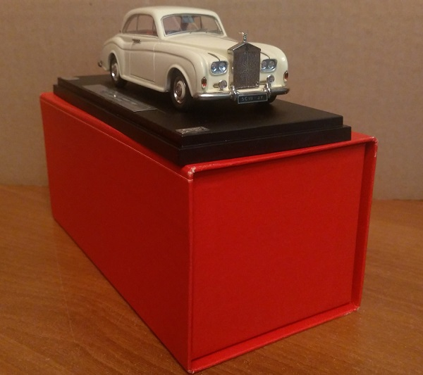 Модель 1:43 Rolls-Royce Silver Cloud III Saloon Coupe by James Young
