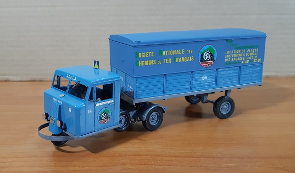 Модель 1:43 Tracteur FAR Deco SCETA