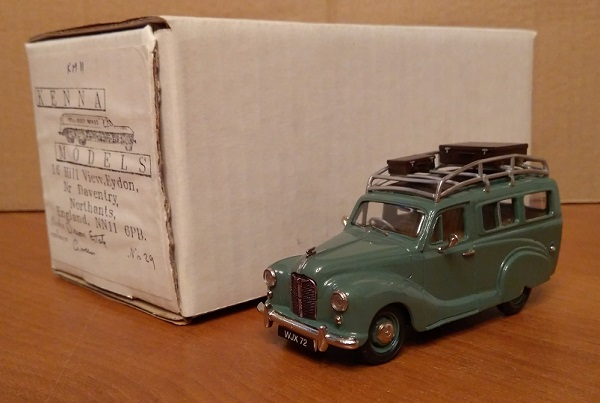 Модель 1:43 Austin A40 Devon Estate - green