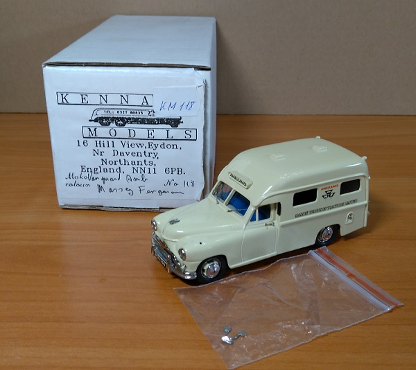 Модель 1:43 Standard Vanguard Ambulance -