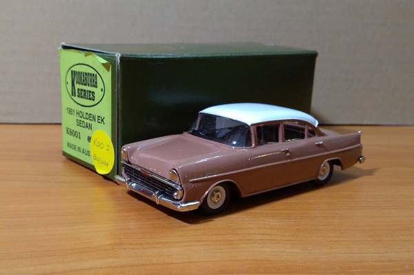 Модель 1:43 Holden EK Sedan