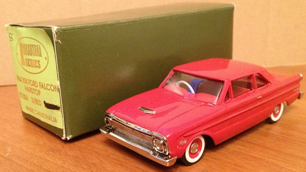 Модель 1:43 Ford Falcon HardTop - Red