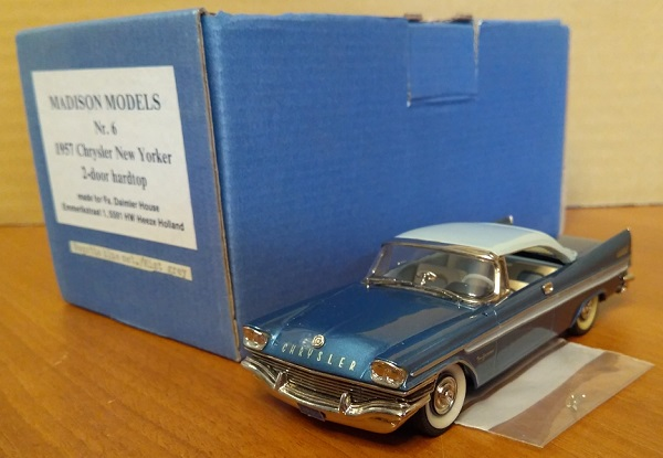 Модель 1:43 Chrysler New Yorker 2-door hardtop - regatta blue met/mist grey