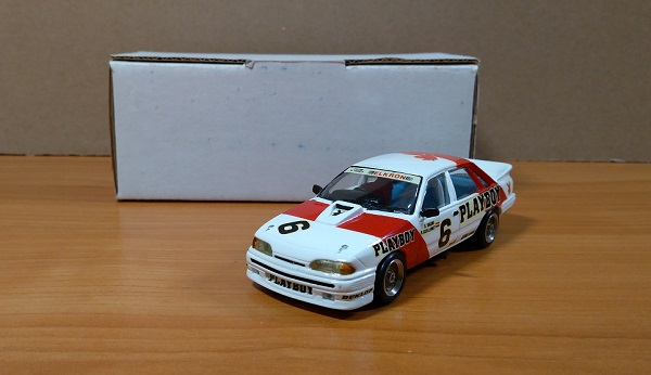 Модель 1:43 Holden V8 Commodore PLAYBOY GrA