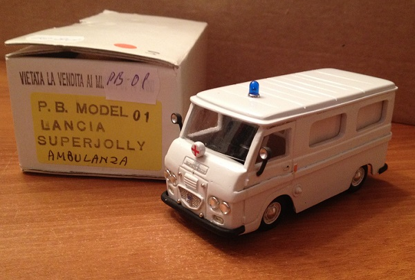 Модель 1:43 Lancia Superjolly ambulanza