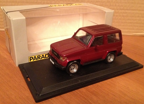 Модель 1:43 Toyota Land Cruiser KZJ - red