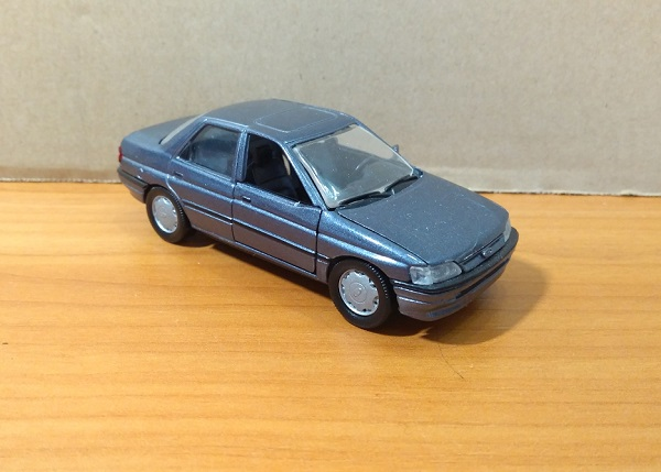 Модель 1:43 Ford ORION