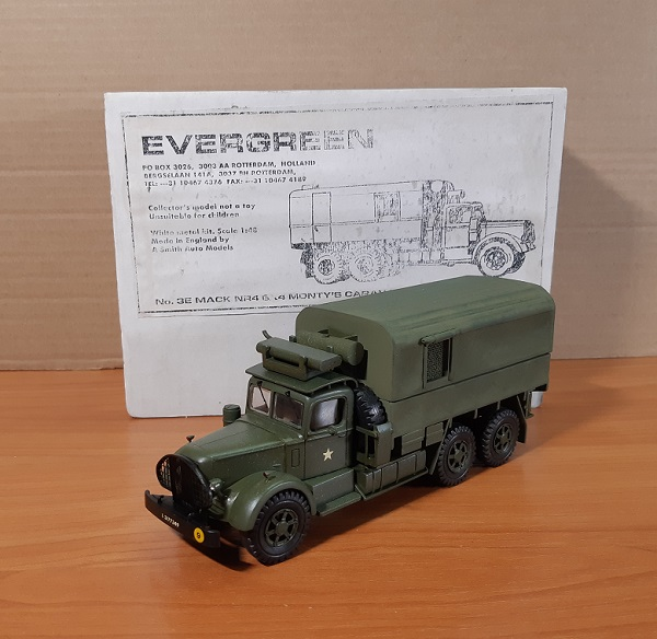 Модель 1:48 MACK NR4 6X4 Hard Top (Monty's Caravan) (Evergreen)
