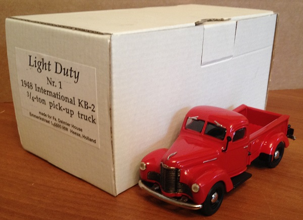 Модель 1:43 International KB-2 3/4-ton pick-up truck (made foe Fa.Daimler House,Holland)