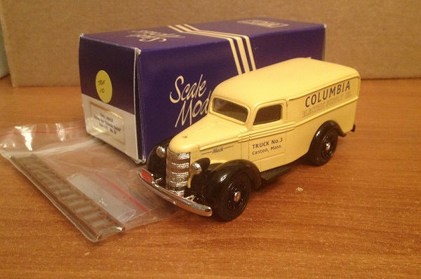 Модель 1:43 Mack Delivery Van COLUMBIA ELECTRIC