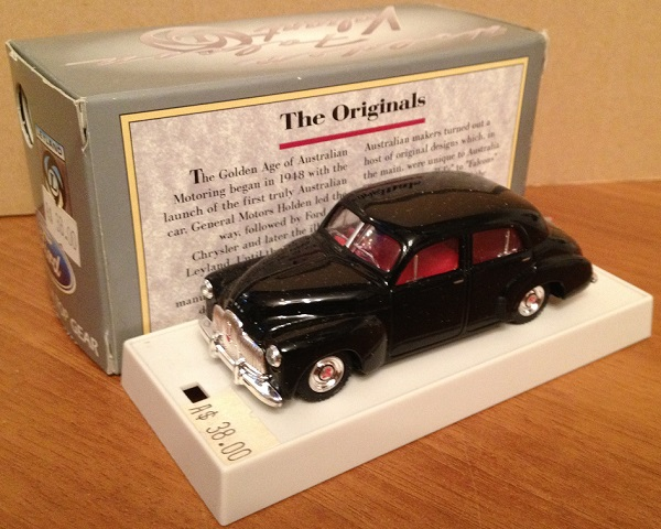 Модель 1:43 HOLDEN 48/215 SEDAN BLACK