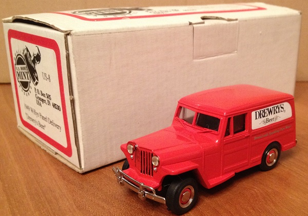 Модель 1:43 Willys Panel Delivery «Drewry's Beer»