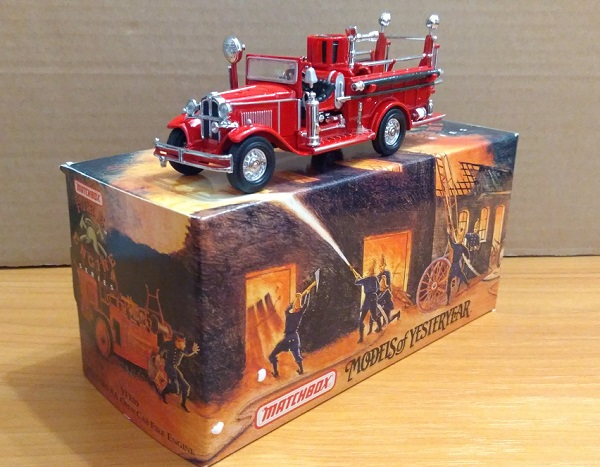 Модель 1:43 Ford AA OPEN CAB FIRE ENGINE