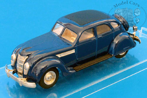 Модель 1:43 Chrysler Airflow Touring Sedan