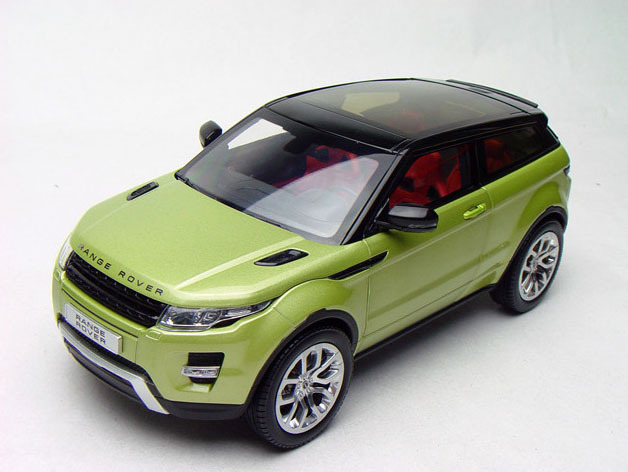 Модель 1:18 Range Rover Evoque - green