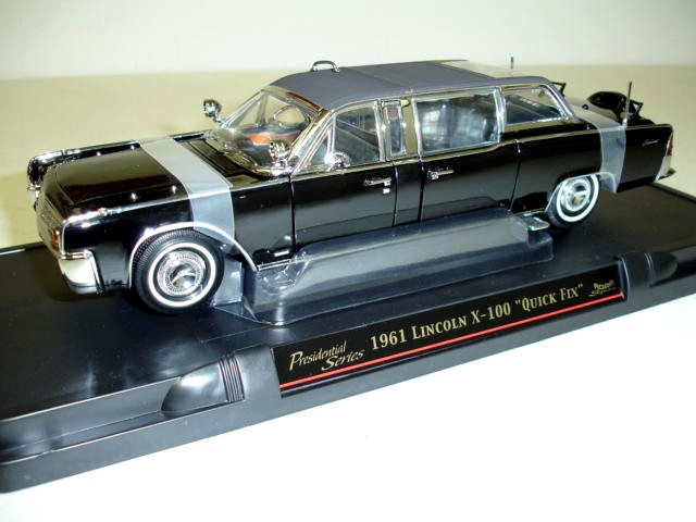 Модель 1:24 Lincoln Continental Limousine SS-100-X «Quick Fix» Presidential (Lyndon Baines Johnson) - black