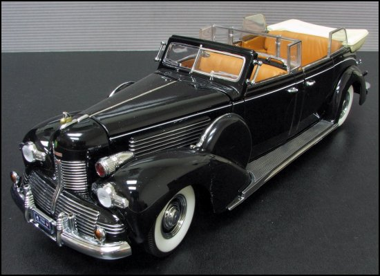 Модель 1:24 Lincoln Convertible Sunshine Special