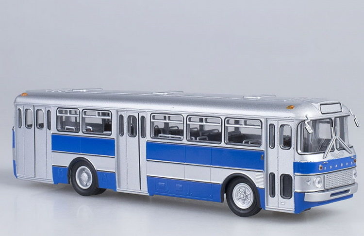 Модель 1:43 Ikarus 556 City Bus - Hungary / Икарус 556 автобус городской - Венгрия - серебристый/синий