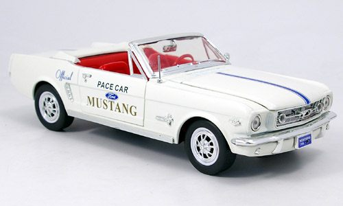 Модель 1:18 Ford Mustang, Pace Car