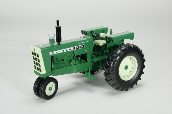 Модель 1:16 OLIVER 1750 GAS NARROW FRONT TRACTOR