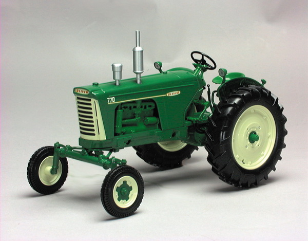 Модель 1:16 OLIVER 770 WIDE FRONT TRACTOR