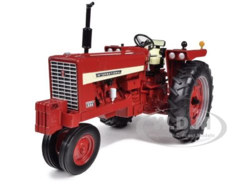 Модель 1:16 NTERNATIO​NAL HARVESTER FARMALL 544 GAS NARROW TRACTOR