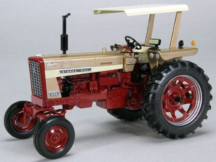 Модель 1:16 FARMALL 544 HYDRO DIESEL WIDE FRONT GOLD TRACTOR