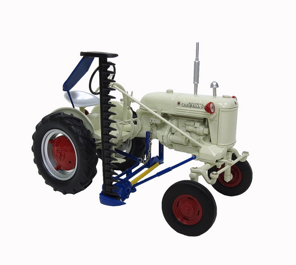 Модель 1:16 WHITE FARMALL CUB TRACTOR W/SICKLE MOWER
