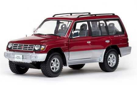 Модель 1:18 Mitsubishi Pajero 3.5 V6 Long - red