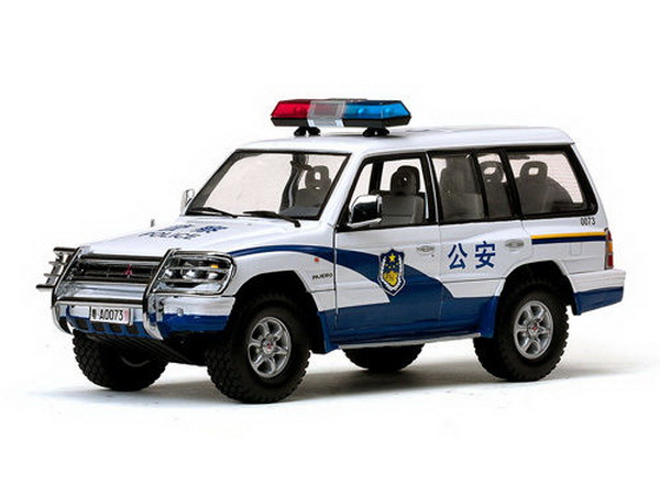Модель 1:18 Mitsubishi Pajero CHINA Police CAR
