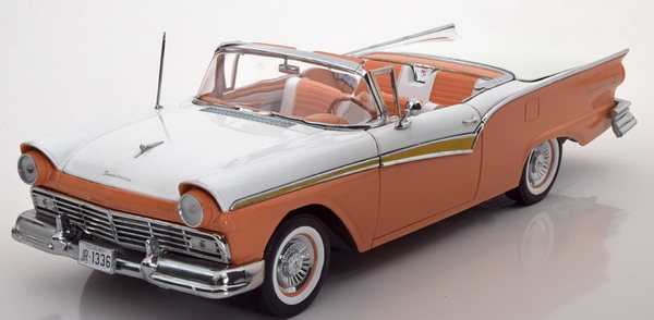 Модель 1:18 Ford Fairlane 500 Skyliner Cabrio - orange/white