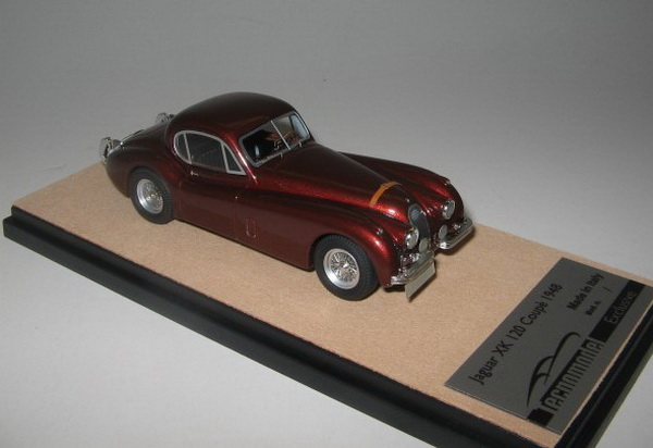 Модель 1:43 Jaguar XK 120 - brown met