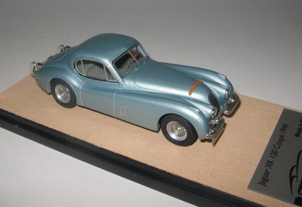 Модель 1:43 Jaguar XK 120 - light green met